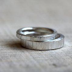 Tree bark wedding ring set by PraxisJewelry on Etsy Praxis Jewelry