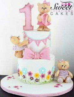 Bears, bows and blooms cake