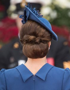 Updo Catherine, Duchess of Cambridge, hair detail, attends the Official Welcome Ceremony for the Royal Tour at the British Columbia Legislature on September 2016 in Victoria, Canada. (Photo by Samir Hussein/WireImage) Kate Middleton Hats, Looks Kate Middleton, Princesa Kate, Hat Hairstyles, Wedding Hairstyles, Chignon Hairstyle, Eugenie Of York, Prince William And Catherine, Wedding Hair And Makeup