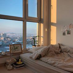 Ideas Bedroom Inspo Dream Rooms Window For 2019 Dream Rooms, Dream Bedroom, City Bedroom, Music Bedroom, Bed Aesthetic, Bedroom Inspo, Bedroom Decor, Bedroom Bed, Decor Room