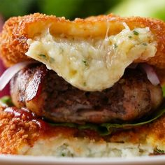 Mashed Potato Bun Bacon Burger Recipe by Tasty potato like claim jumper Burger Recipes, Beef Recipes, Cooking Recipes, Cooking Tv, Healthy Recipes, Tasty, Yummy Food, Snacks, Food Videos