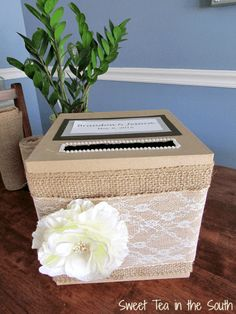 Tutorial to make an inexpensive, easy DIY gift card box. Perfect for a wedding or shower! Wood Card Box, Diy Card Box, Wedding Gift Card Box, Gift Card Boxes, Wedding Boxes, Diy Box, Wedding Cards, Diy Wedding, Wedding Gifts