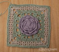 Free crochet pattern for the garden of roses square by Loopsan. (part 1)