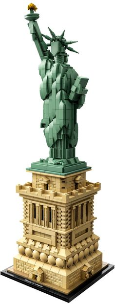 Lego Architecture Statue of Liberty 21042 Building Set Piece) Liberty Island, Lego Statue Of Liberty, Statues, New York City, Liberty New York, Brick Detail, Lego Kits, Lego Clones, Smile Images