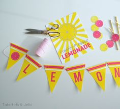 Summer Lemonade Stand Free Printables!! -- Tatertots and Jello #DIY #Printables #summer