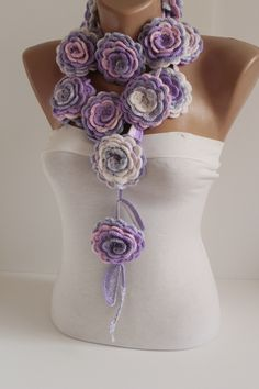 #lariat#flowerslariat#necklace#scarf#collar#cowl#flowers#love #valentinesday style#fasion#crochet#valentinesdaygiftideas #mothersday #mothersdaygift #gifts