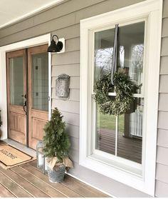 70 Beautiful Farmhouse Front Door Design Ideas And Decor - Googodecor House Paint Exterior, Exterior House Colors, Exterior Design, Farmhouse Exterior Colors, Outdoor House Colors, Exterior Doors, Grey Siding House, Exterior Signage, Diy Exterior Door Molding