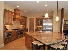 1025 West 141st Circle Westminster, Colorado 80302 $1,299,000 l 5 Bedrooms l 7 Bath l Approx. 7937  finished sq. ft. MLS# 5322875