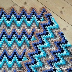"Amush crochet ripple - Sofia (@klossgosa) on Instagram: ""De-stressing with this project tonight.."""