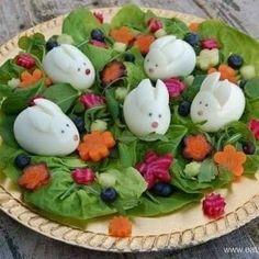 Easter Salad, Easter Food, Egg Salad, Animal Shaped Foods, Cute Food, Good Food, Dressing For Fruit Salad, Easter Recipes, Kiwi Recipes