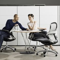 Generation by Knoll   For the Ergomaniacs   Holiday Gift Guide   Knoll