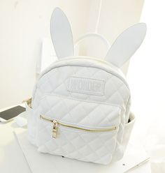 How cute is this rabbit ears backpack? ^_^