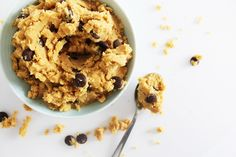 There's not much better than eating raw cookie dough with a spoon.unless it's Healthy Vegan Cookie Dough! All you need is 5 ingredients and 5 minutes! Eating Raw Cookie Dough, Healthy Cookie Dough, Cookie Dough Recipes, Healthy Vegan Cookies, Vegan Baking, Plant Based Recipes, Spoon, Oatmeal, Zero