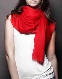 Ezma Souffle Stark Hibiscus Red