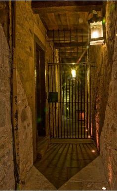 Seeks Ghosts: Scotland's Mary King's Close Street beneath modern Edinburgh Compelling evidence it is haunted.