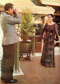 Her Majesty Queen Sirikit and King Rama 9 King Phumipol, King Rama 9, King Of Kings, King Queen, King Thailand, Queen Sirikit, Bhumibol Adulyadej, King Photo, Great King