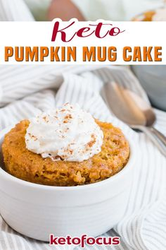 Enjoy the flavors of Fall with a keto pumpkin spiced mug cake. Cozy up to this warm sugar-free pumpkin cake that takes about a minute to make! It's pumpkin season and that means we flavor everything with this beloved seasonal vegetable - even keto cakes! This recipe for keto pumpkin mug cake is an easy way to satisfy your yearly pumpkin craving. This sugar-free mug cake only takes a few minutes to make! | KetoFocus @ketofocus #ketomugcake #ketopumpkinmugcake #kidfriendlyketorecipes #ketofo Pumpkin Mug Cake Recipe, Keto Pumpkin Pie, Keto Mug Cake, Pumpkin Recipes, Keto Dessert Easy, Healthy Dessert Recipes, Keto Snacks, Cake Recipes, Keto Recipes