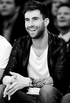 Adam Levine is an American singer, songwriter, multi-instrumentalist, and actor. He is the lead vocalist for the Los Angeles pop rock band Maroon 5 A lot of Girls Loves him because he is so beautif… Adam Levine, Maroon 5, The Voice, Nick Bateman, Hommes Sexy, Raining Men, Matt Lanter, Max Irons, Matthew Goode