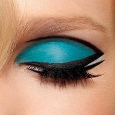 Love this blue make up