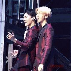 EXO'luXion 150912 : The Star - Chen and Baekhyun