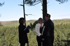 Sherry and Gary VanBelleghem - Algonquin Weddings. What a backdrop!