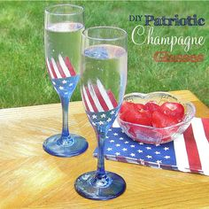 Hand-Painted Glass Champagne Flutes Anyone can easily hand-paint a patriotic theme on wine glasses, champagne flutes or any glassware with a few easy steps. Painted Wine Bottles, Lighted Wine Bottles, Painted Wine Glasses, Wedding Wine Glasses, Diy Wine Glasses, Martha Stewart Crafts, Wine Parties, Bottle Painting, Champagne Flutes
