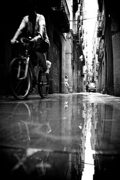 10+ Stunning Street photography Examples - Grids And Layers