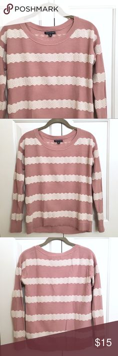 American Eagle Striped Lace Sweater Gently used, still in great condition. White lace & dusty pink. Size small. Lightweight & comfy. 15% off 2 or more items! 😊 Bundle & save! American Eagle Outfitters Sweaters Crew & Scoop Necks