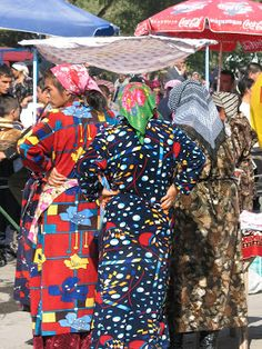 Photo by Wandering About the Earth: Colorfully dressed women in Fergana, Uzbekistan.