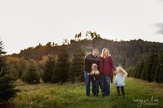 Maroon is a perfect color for Tree Farm minis. The color will make your photos feel like fall, and a festive nod to the holiday. You'll stand out and photograph beautifully in a Christmas tree farm. Mix with greys, blacks, navy.