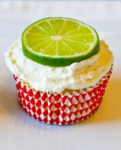 Lima Colada Cupcakes~This calls for summer