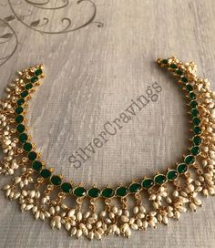 Indian Jewelry Sets, Silver Jewellery Indian, Indian Wedding Jewelry, Bridal Jewelry, Antique Jewellery Designs, Beaded Jewelry Designs, Jewelry Design Earrings, Gold Jewellery Design, How To Make Necklaces