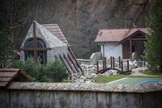 Najlepšia slovenská tarhoňa - Michal Latta (blog.sme.sk) Bratislava, Latte, Cabin, House Styles, Blog, Home Decor, Homemade Home Decor, Cabins, Blogging