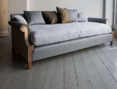 TAMBURLAINE SOFA - Howe London  At the foot of the bed?