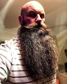 "Got to get the Beard sitting good even if I'm sitting in watching TV. Tonight's oil is ""Grafter"" and a bit of ""Chocolate Orange"" balm both from @brawbeardoils .... unbelievable products !! #braw #brawbeard #brawbeardoils #thebrawtherhood . . . ⚔️ My Brotherhood: @beardedbadboys  Founder: @shushangh My Alliance: @beardedbadboys.europe  Nation Leader: @cojones_muy_grandes  My Chapter: @beardedbadboys_scotland President: @davie_wallace_ Vice Presi..."