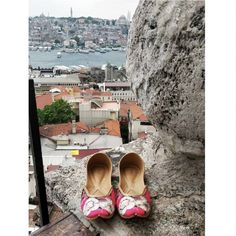 Vian 19 June at 12:00 ·  #VianTravels  A little escape within the hustle of the city with our Magnolia Juttis. . . . . . . . . #vian #viantravels #traveldiaries #istanbul #istanbulsummer #goodshoestakesyoutogoodplaces #europe #travelstyle #stylebloggers #shoesaddict #fashionista #summerfashion #fashionblogger #fashiondiaries #lookoftheday #onlineshipping #internationalshipping #freeshipping #shoelover #iloveshoes #comfortable