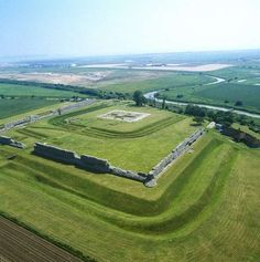 Richborough Roman Fort & Amphitheatre | English Heritage | Sandwich