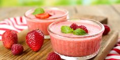 Strawberry Mousse recipe from Haute Farms Dessert Mousse, Mousse Fruit, Strawberry Mousse, One Dish Dinners, Dinner Dishes, Healthy Smoothies, Healthy Snacks, Chocolates, Healthy Eating Challenge