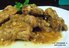 Jamaican Style Curry Chicken In Coconut Milk With Potatoes Coconut Milk Chicken, Coconut Milk Recipes, Pork Recipes, Crockpot Recipes, Cooking Recipes, Recipies, Spanish Pork, Pork Ribs, Curry