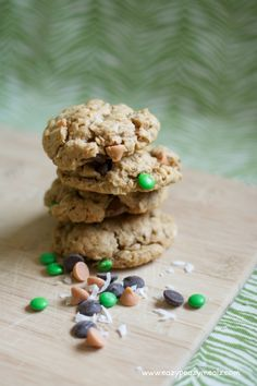 Monster Cookies - Eazy Peazy Mealz Eazy Peazy Mealz, Butterscotch Chips, Oatmeal Cookies, Peanut Butter Cookies, Deserts, Treats, Dishes, Baking, Delicious Recipes