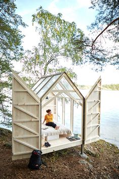 Cabins and Tiny Homes that are the Perfect Escape for Your Happy. Most Beautiful Cabins and Tiny Homes that are the Perfect Escape for Your Happy. 40 Cozy Cabins and Homes that are the Perfect Escape for Tiny House Cabin, Tiny House Living, Tiny House Design, Tiny Cabins, Tree House Homes, Tree House Decor, Tree House Designs, Fun House, Cabins And Cottages