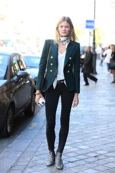 Aquí puedes ver: Vestidos, Zapatos, Outfits Casuales y moda de temporada.