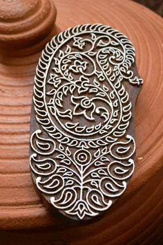 Love these wooden carved stamps via @Patricia Torres: Store Finds (Indya Kaleidoscope)