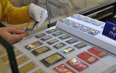 Giá vàng tiếp tục hạ sau khi chạm mốc 35 triệu đồng