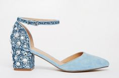 Les bottines bleu marine Zara à talon, 79.95 euros.Collection AH 2015/2016Pour affiner sa silhouette comme pour apporter une touche élégante à nos looks les plus basiques...