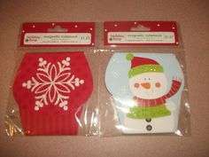 """CHRISTMAS MAGNETIC NOTEBOOKS.TWO. 4.08 """" W - X 4.08 """" H. NEW IN PACKAGE"""