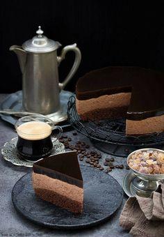 Chocolate Cheese Cake with Coffee Jelly Sunday Coffee, Coffee Cafe, Mini Desserts, Art Cafe, Coffee Presentation, Coffee Jelly, Chocolate Cheesecake, Chocolate Coffee, Coffee Recipes