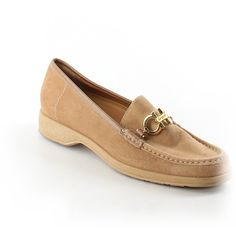 Pre-owned Salvatore Ferragamo Flats ($87) ❤ liked on Polyvore featuring shoes, flats, tan, salvatore ferragamo shoes, flat heel shoes, tan flats, flat pumps and pre owned shoes