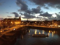 Dramatic sunset sky @Amsterdam, Netherlands (Recommendation: Hotel Doubletree, rooms with city view)