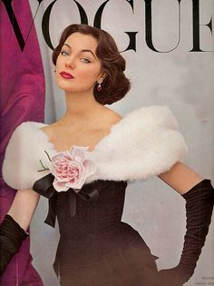 Vintage Dressing Model Ivy Nicholson, gown by Balenciaga, Vogue cover prints for dressing room walls - Wearing a dress by Cristóbal Balenciaga. 50s Glamour, Estilo Glamour, Vintage Glamour, Hollywood Glamour, Vogue Magazine Covers, Fashion Magazine Cover, Fashion Cover, Vogue Vintage, Vintage Vogue Covers